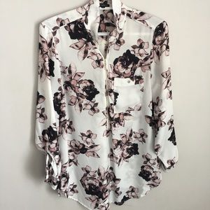 Dynamite floral blouse with zipper